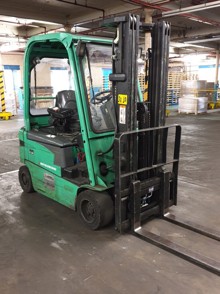 Buying or renting Forklifts