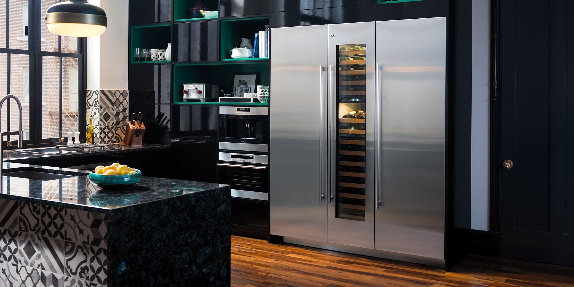 subzero-fridgefreezer-with-wine-cooler
