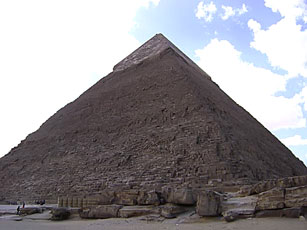 footsteps-inegypt-the-great-pyramids-of-giza-3