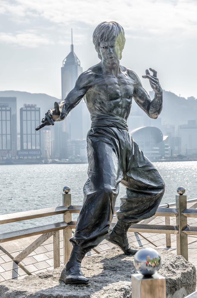 The famous statue of Bruce Lee