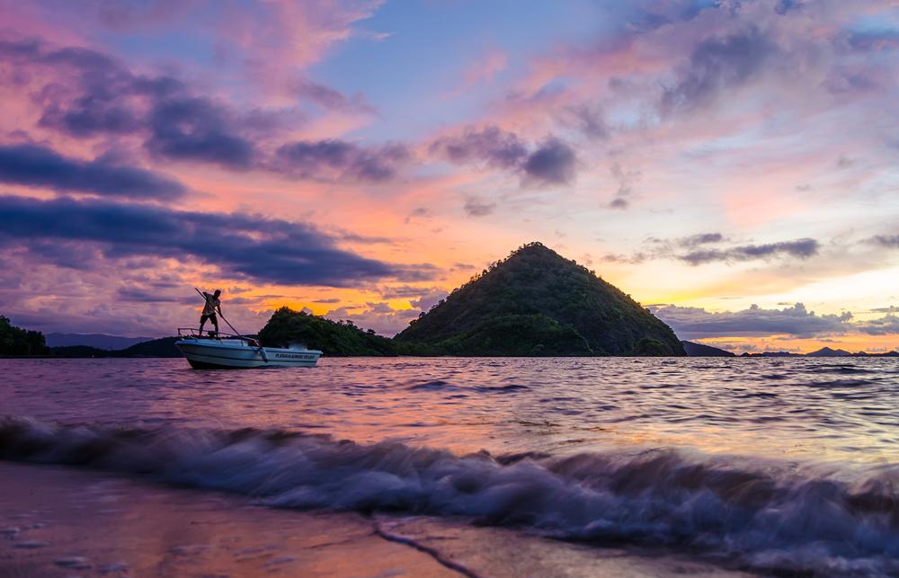 A perfectly calm beach!