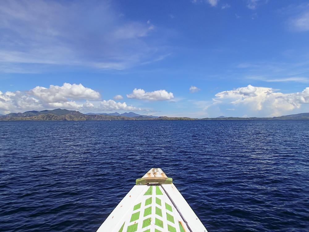 En route to Komodo, sailing the Flores Sea
