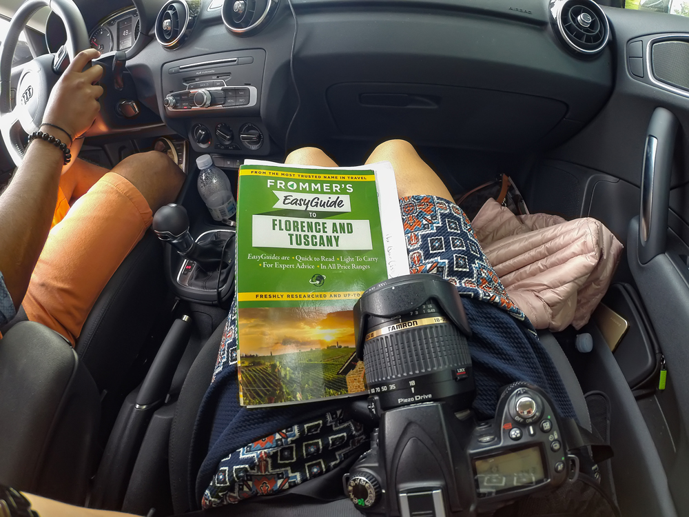 JRoad trippin' around Tuscany, Guidebooks in tow!