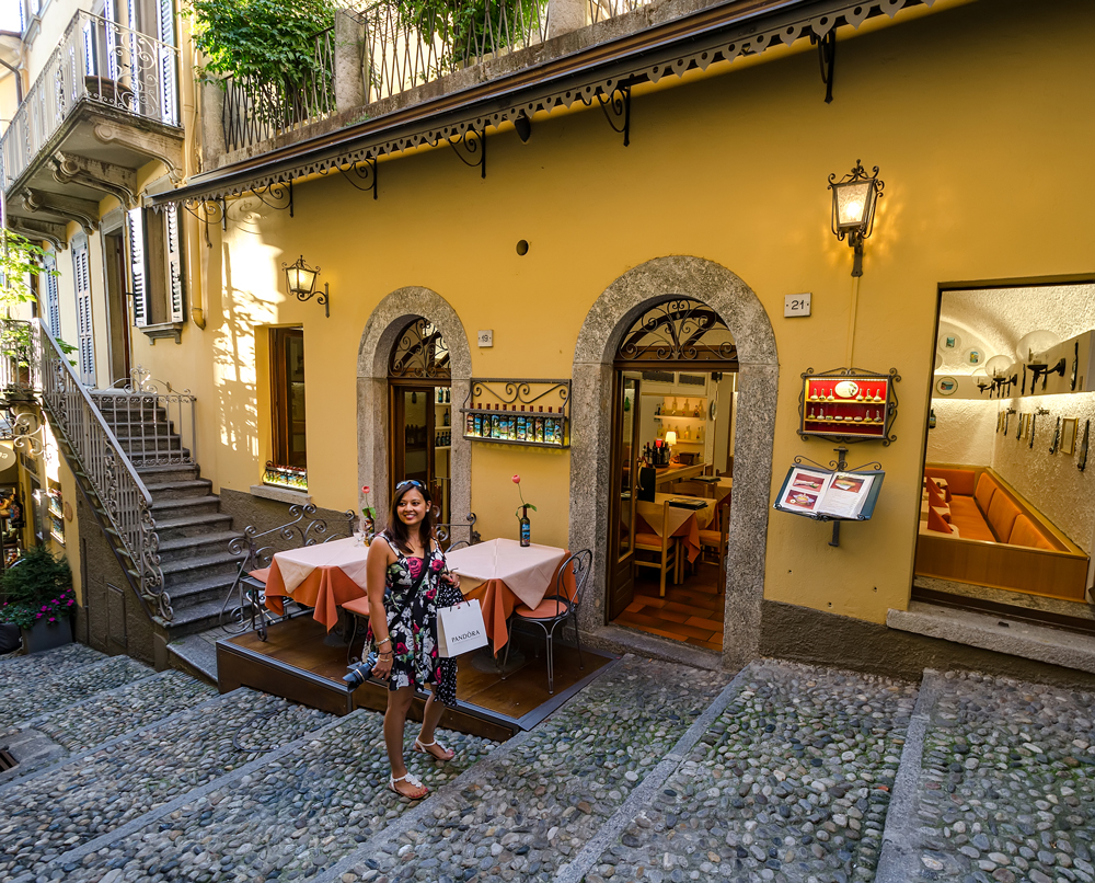 Cobblestones and yellow mean I am a happy wanderluster!