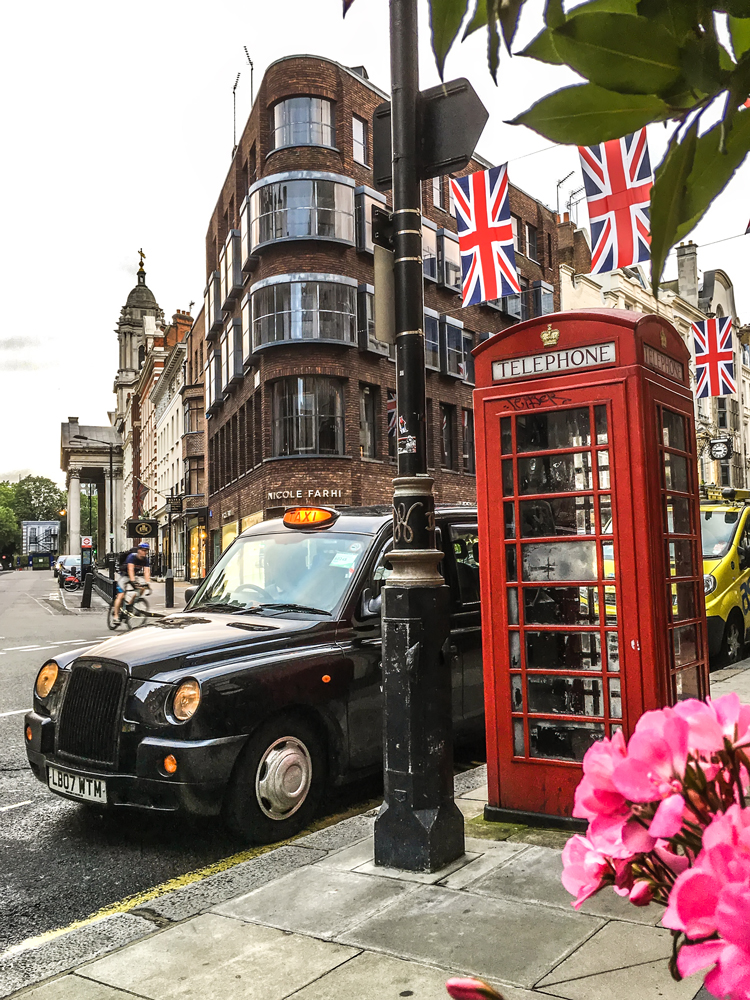 Iconic London: Black Cabs and Red Phone Booths