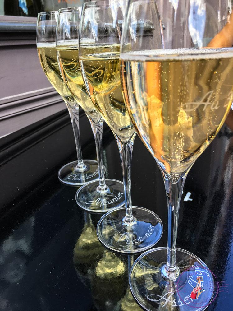 The 4 flute wine tasting at Au 36