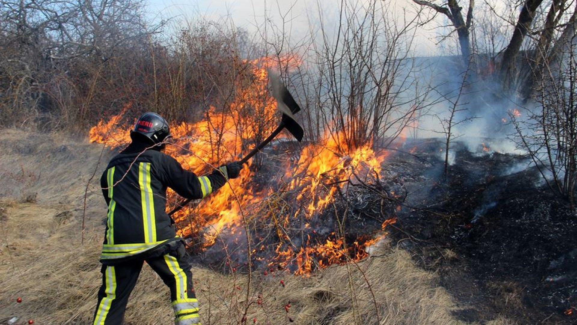 Incendii de vegetație în toată țara
