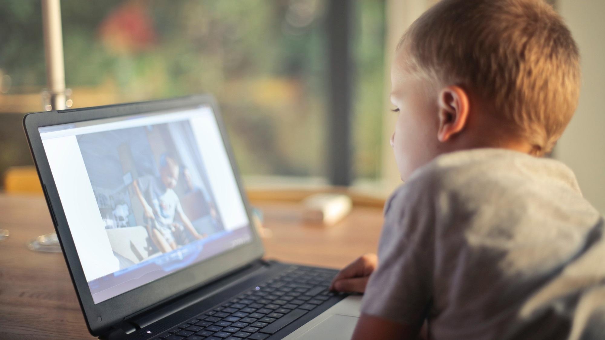 Dependența de ecran și efectele acestuia