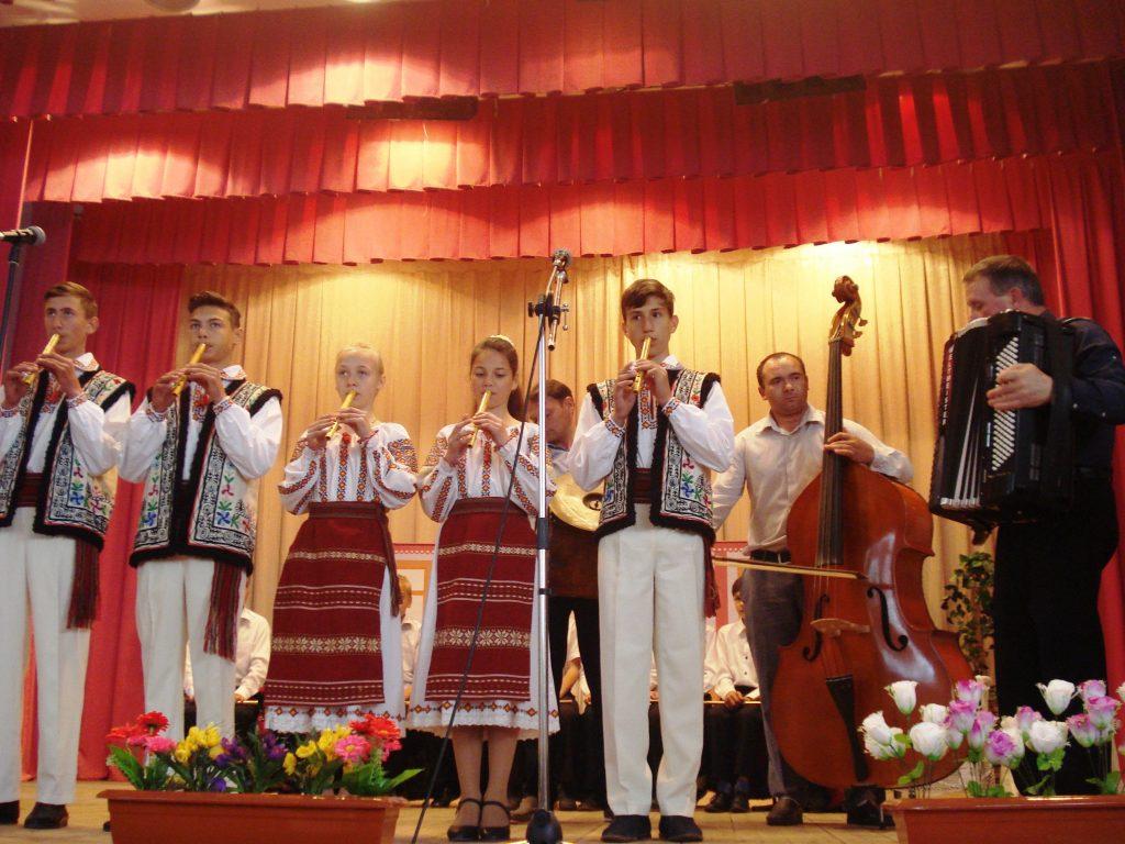Doi interpreţi din zona de sud  au devenit premianți ai  Concursului naţional al fluierarilor