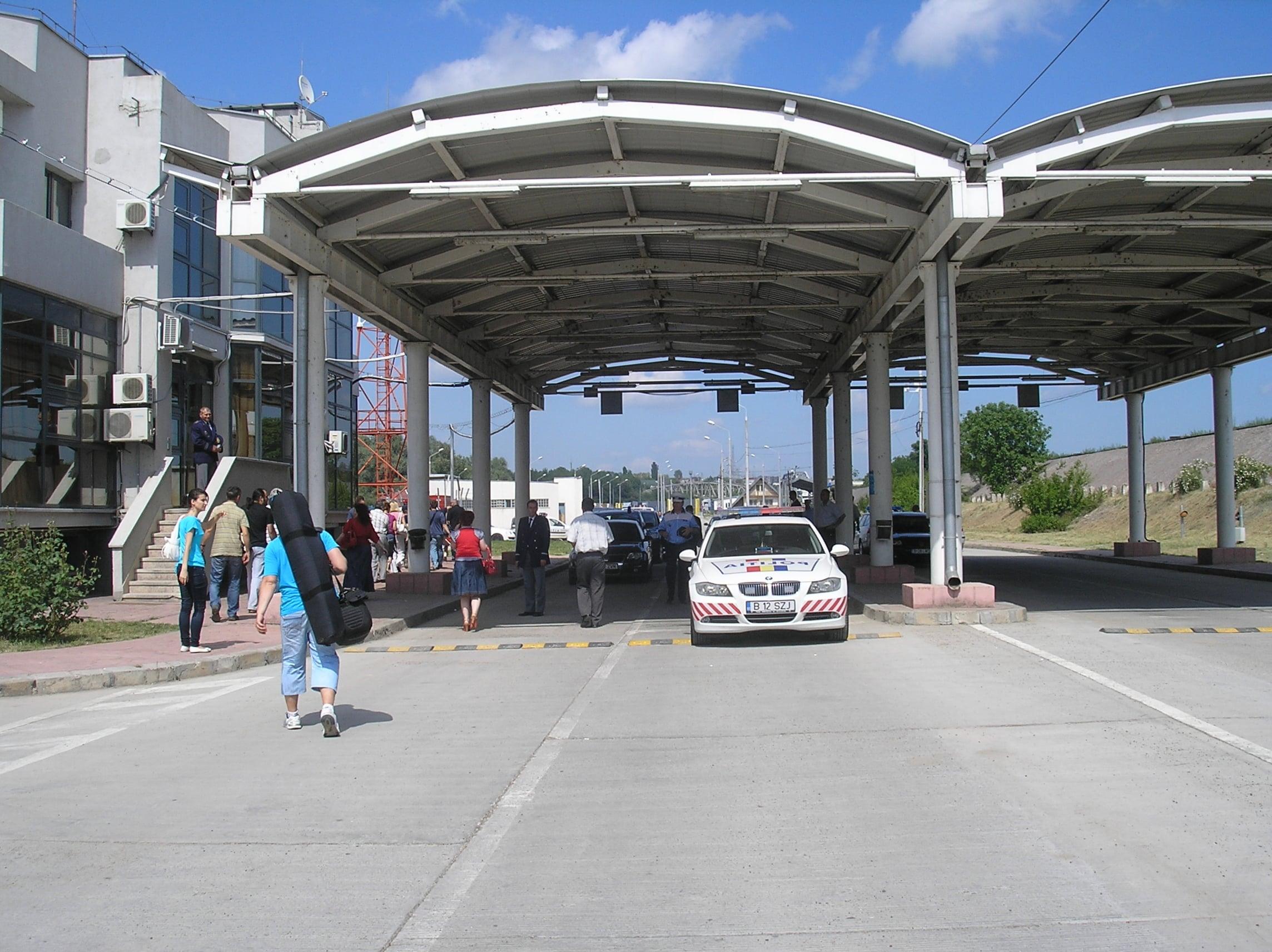 Cetățeni la Punctul de trecere a frontierei Giurgiulești-Galați, în conflict cu legea