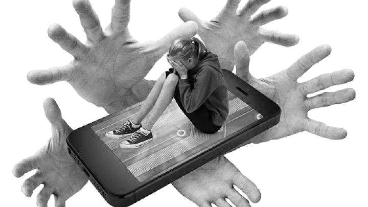 Pericolele aflării copiilor  pe rețelele de socializare