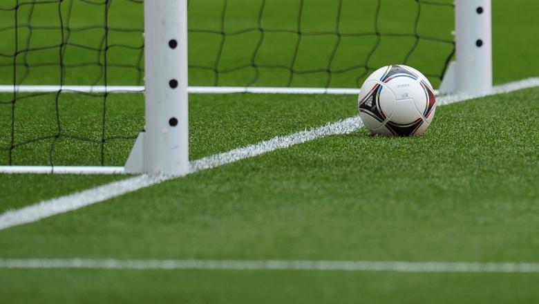Cinci etape, disputate în Divizia A la fotbal