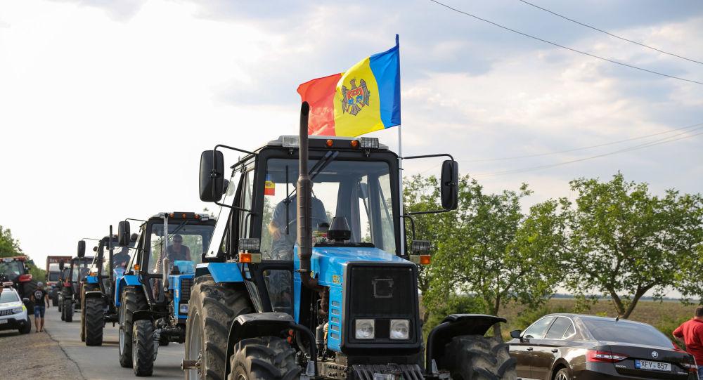 Agricultorii revin la proteste