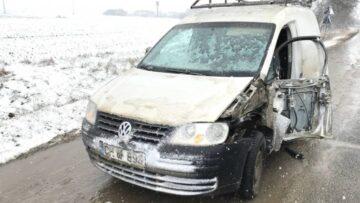 Mașină lovită de un tractor, în satul Gotești, Cantemir