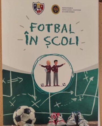 """Proiectul """"Fotbal în școli"""", un pas înainte pentru promovarea sportului rege"""