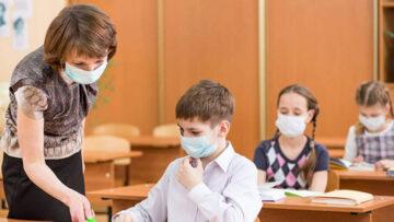 """Consliul Național al Tinerilor din Moldova a lansat o petiție: """"Spunem NU orelor cu prezența fizică în apogeul pandemiei!"""""""