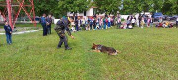 În contextul Zilei Mondiale a Copilului mai mulți elevi din clasele primare au vizitat Sectorul Poliției de Frontieră Cahul