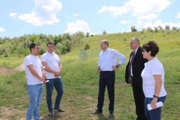 Ion Perju cu Secretarul de Stat - Ghenadie Iurco au efectuat vizite de monitorizare a 3 proiecte în proces de implementare de către ADR Sud din raionul Leova