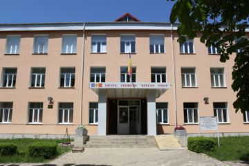 """Liceul Teoretic """"Ștefan Vodă"""" din orașul Ștefan Vodă – punct de atracție pentru copiii din raion"""