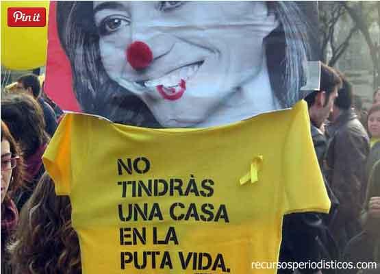 El botón de Pinterest aparece en la esquina superior izquierda. Esta imagen la tomé de una manifestación en Barcelona, en 2012.