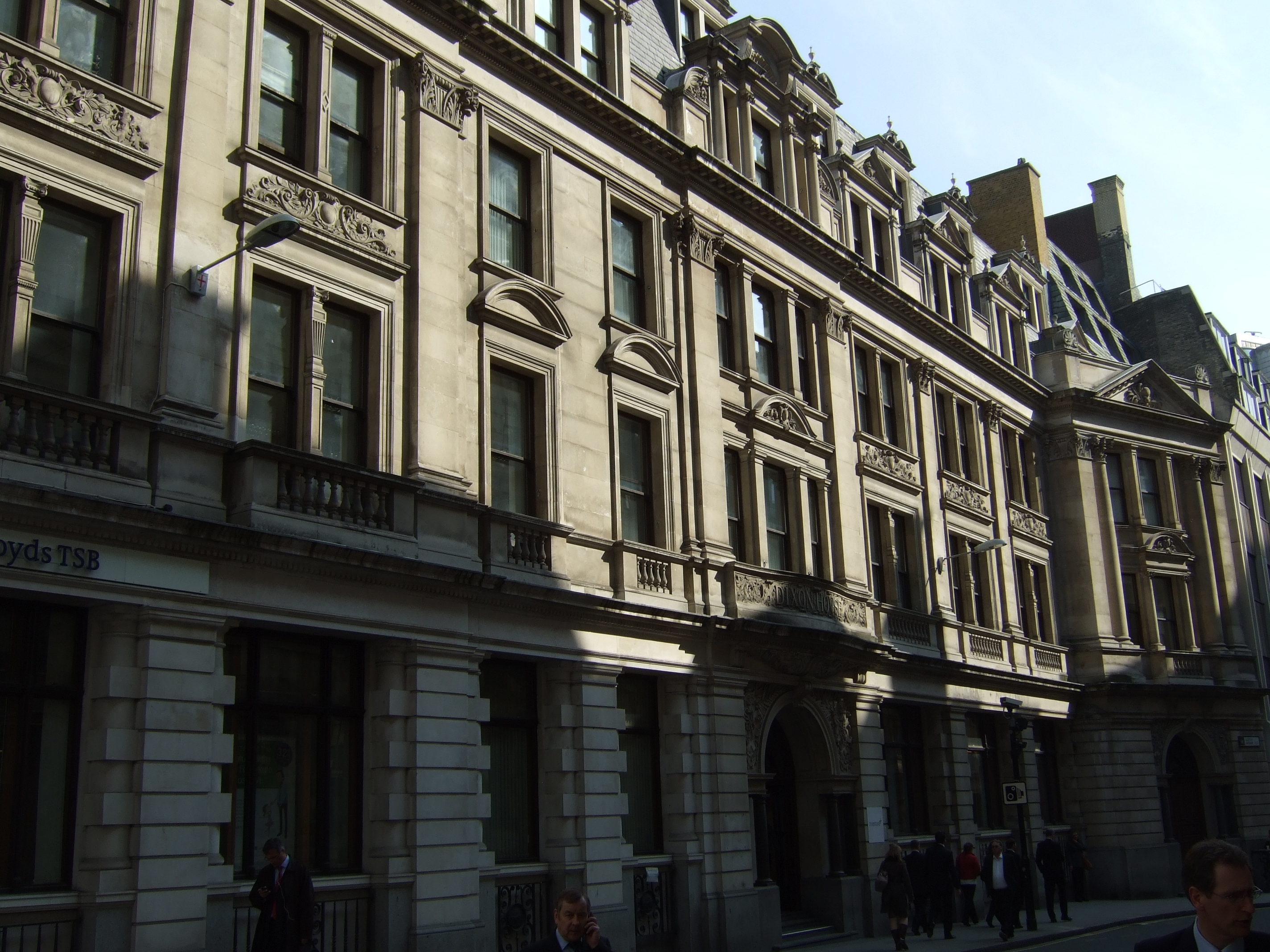 Lloyd's Avenue aspect of Dixon House, showing restrained lower storeys