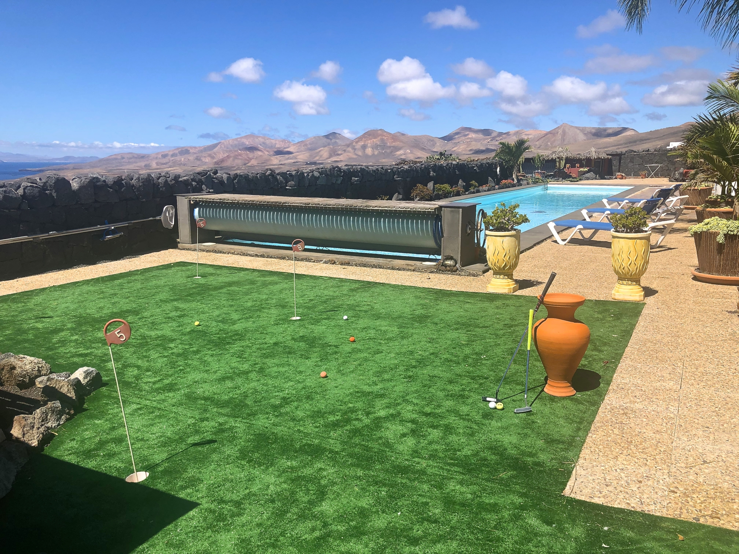 6 Hole Putting Green Villa Paraiso