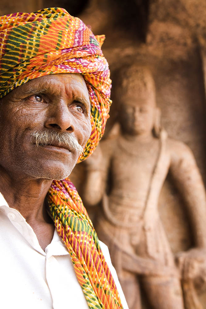 Man wearing a turban at Badami in Karnataka, India by Stuart Forster.