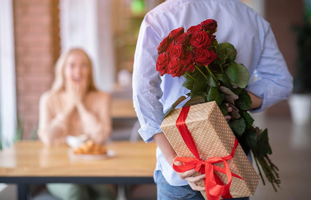 9 Gift Ideas for Your Ukrainian Girlfriend - Arrange a meeting ASAP