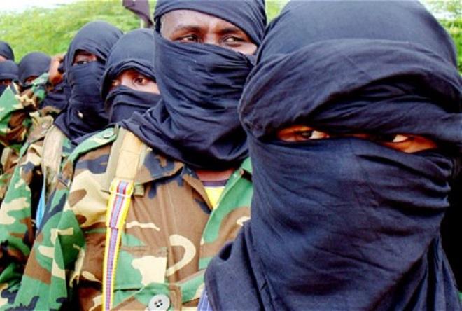 Laba kamid ah Saraakiisha Al-Shabaab iyo 8 ilaalo u eheyd oo lagu qabtay Sh.Hoose.