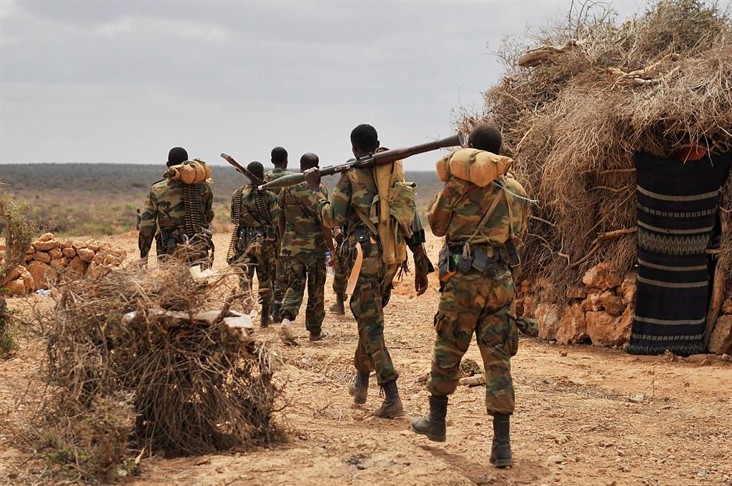 Shabaab oo qabsaday saldhig cidamada dowladda ku leeyihiin Daynuunay.