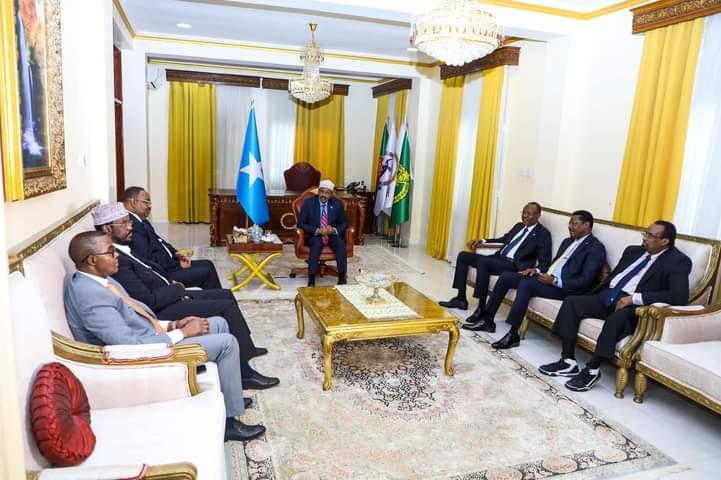 Villa Somaliya oo war ka soo saartay shirka madaxda dowladda iyo kuwa maamul goboleedyada ee Muqdisho ka furmay.