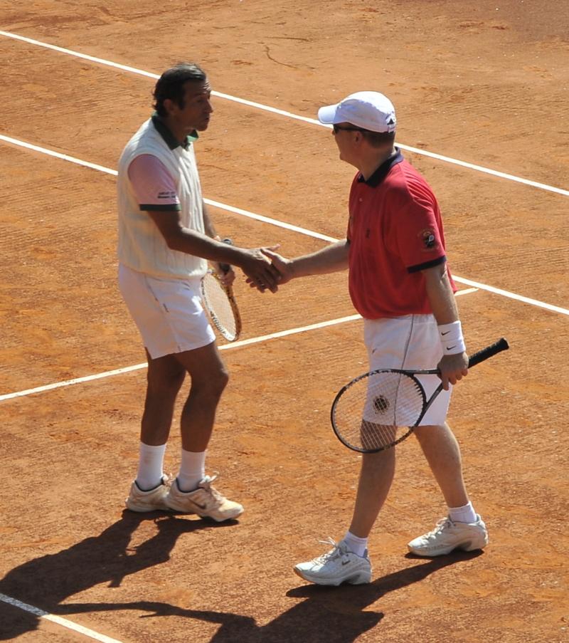 hand shake tennis club