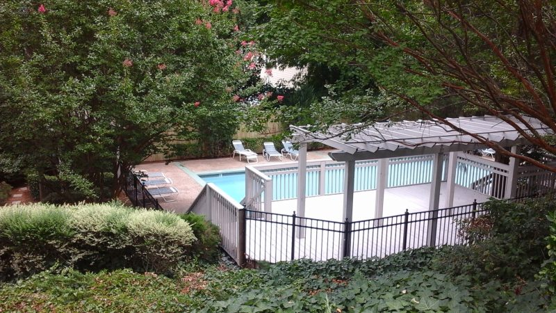 Aluminum fence installation and repair in Waxhaw