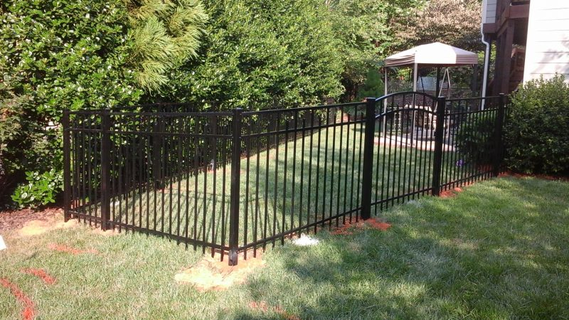 Aluminum fence installation in York County