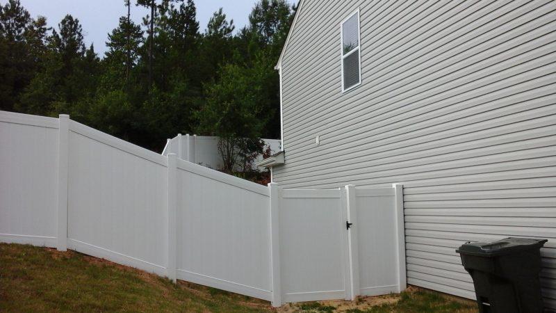 Vinyl fence installation in Fort Mill
