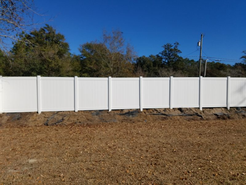 Vinyl residential fence company in Lancaster