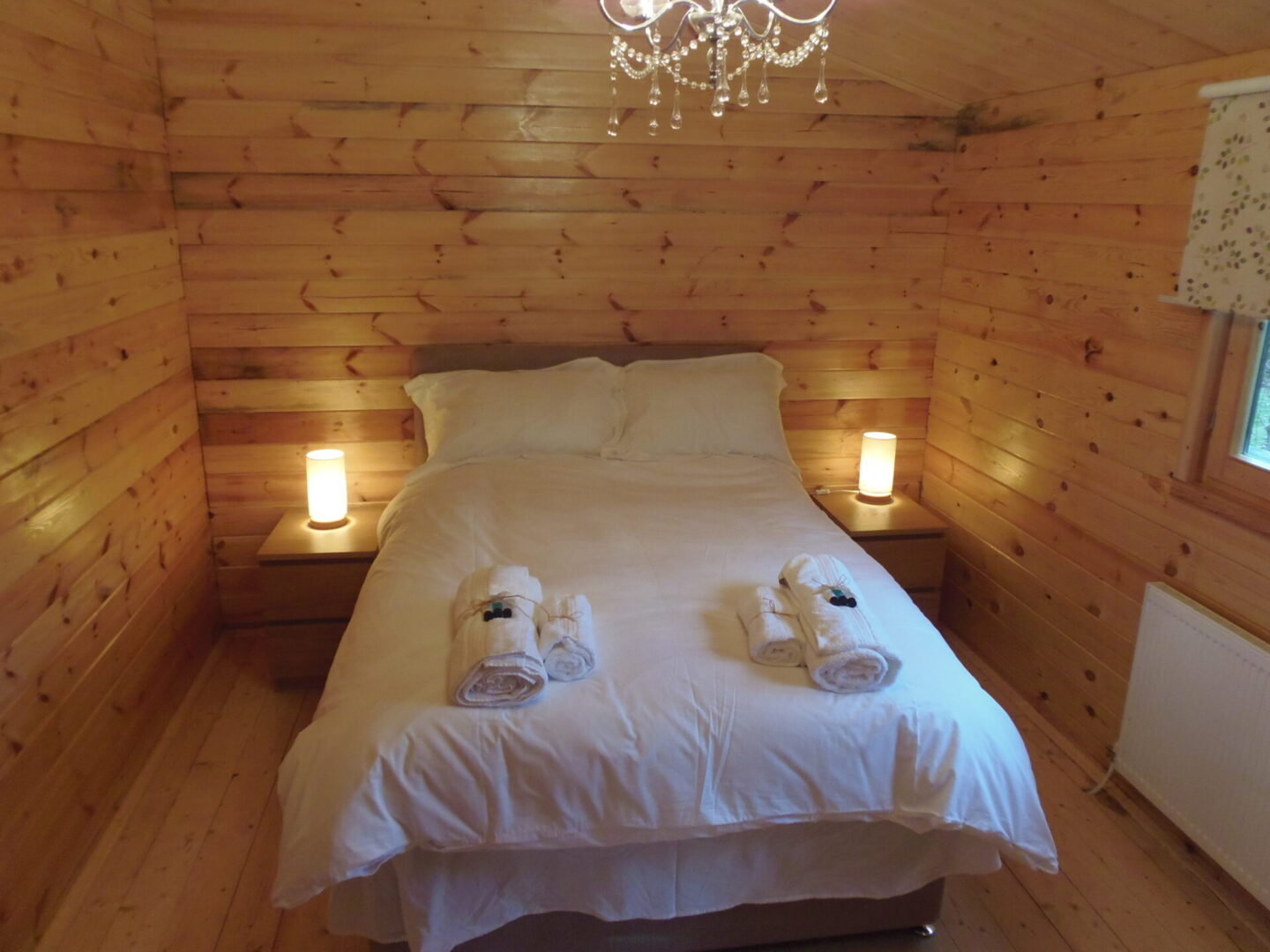 Alpaca lodge bedroom