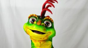 an example of the iguana puppet made by chris barlow puppet maker