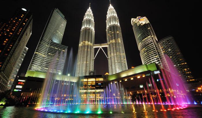 Malaysia Petronas Tower Customized holiday on budget