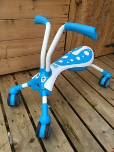 Scuttlebug white and blue ride on toy