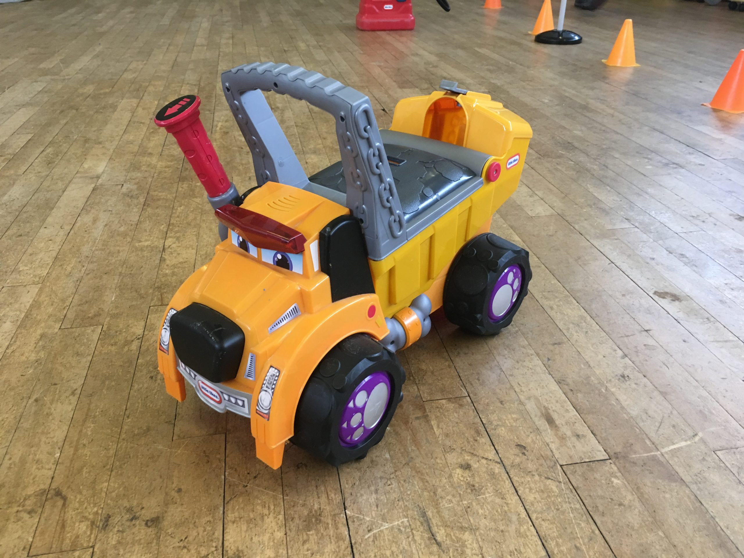 yellow Dog dumper truck ride on toy