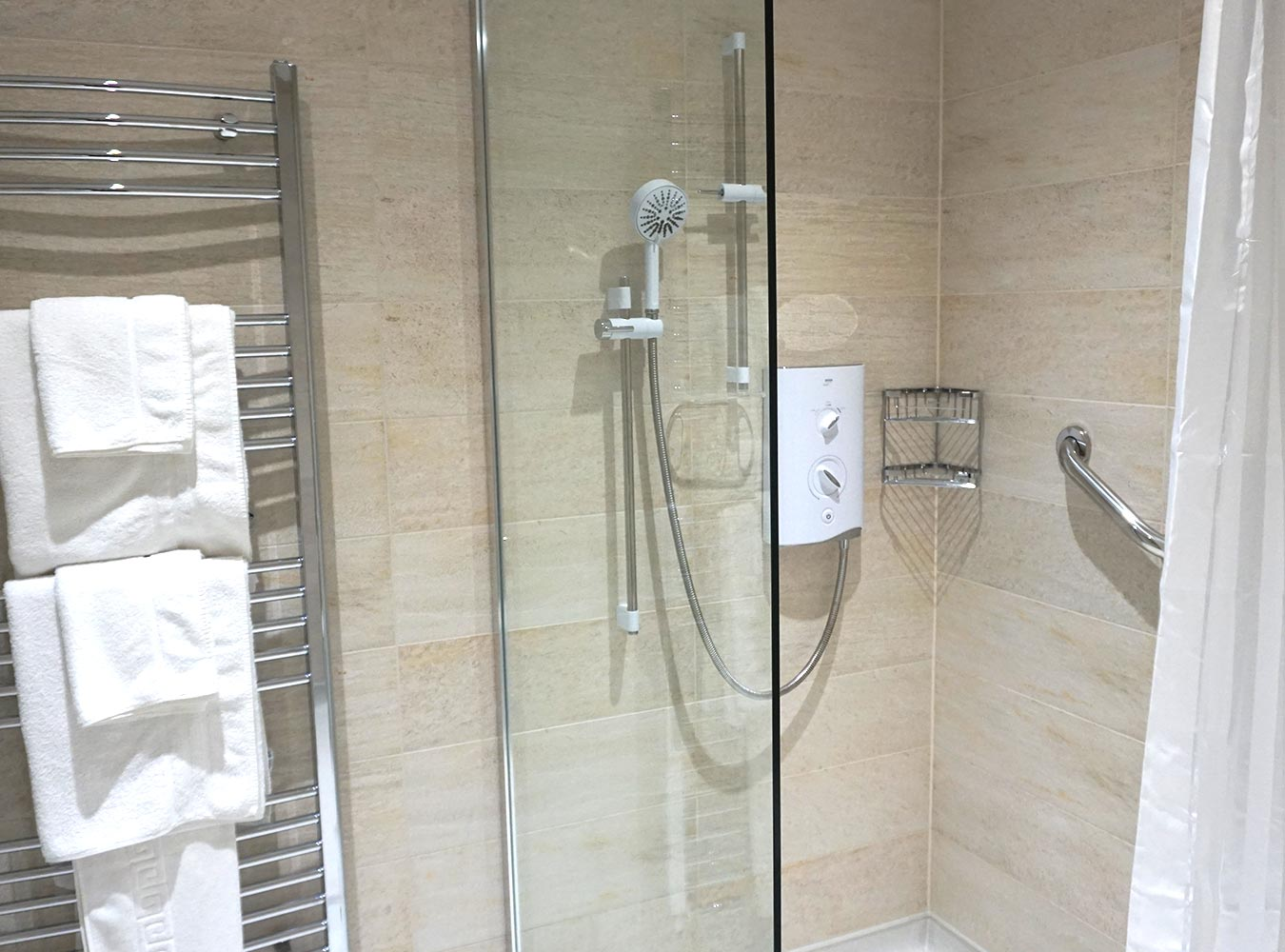 27x20_room1_bathroom-2
