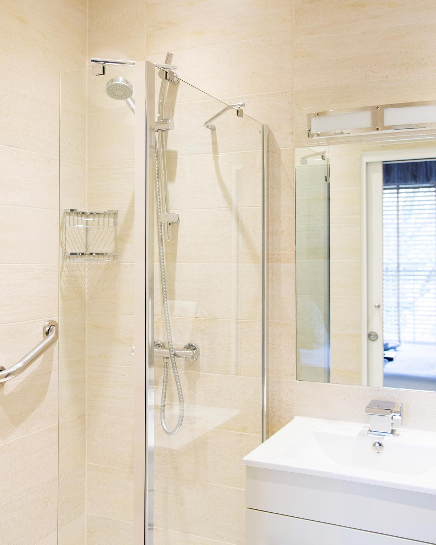 4x5-bathroom