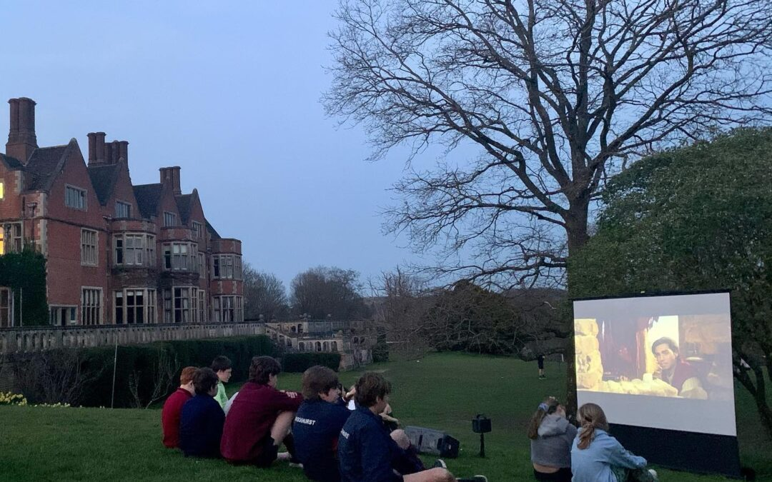 Another wonderful evening boarding with a BBQ supper and an outdoor cinema