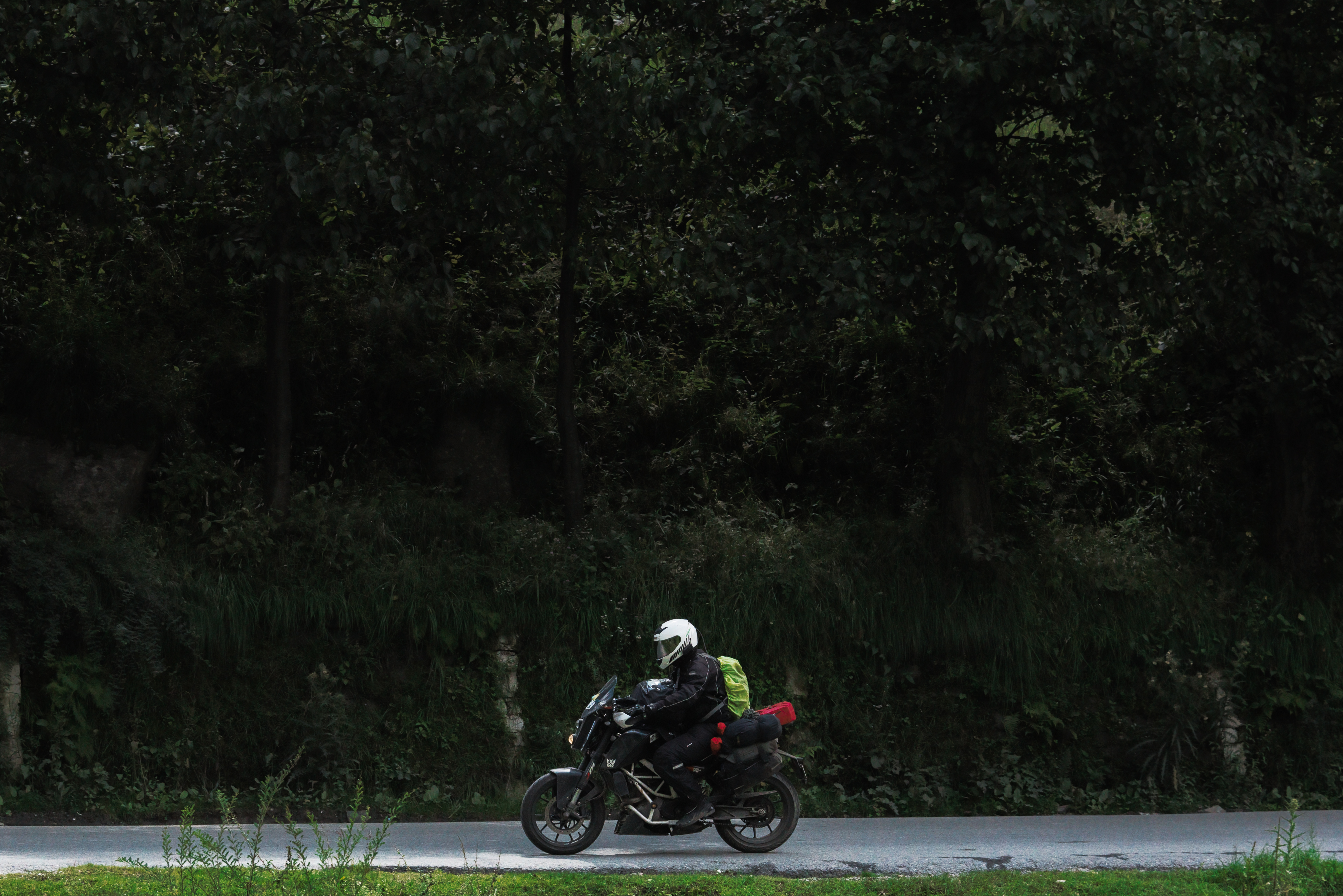 Crazy Young Biker Explores Srinagar Solo On KTM Duke 200