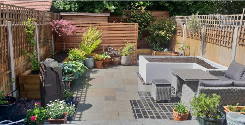6 Reasons You Should Hire a Landscape Gardener