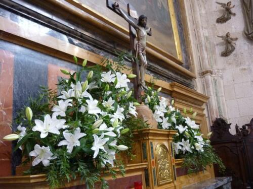 Bodas-Ceremonia-altar-flores