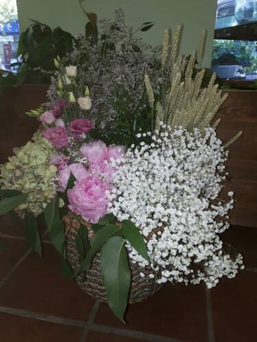 Canasta centro flores