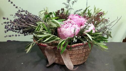 Canasta flores campestres