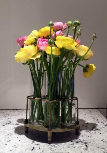Centro flores amarillas rosas